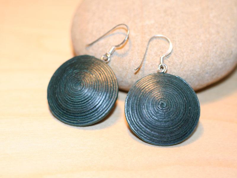 Scheiben-Ohrringe aus Öko-Papier - Dunkelgrün