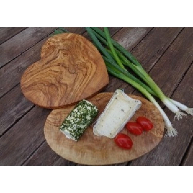 Olivenholz Frühstücksbrett in Herzform | Olivenholz erleben