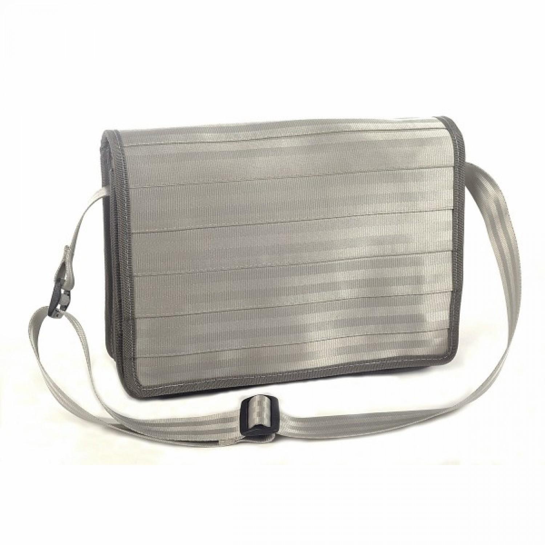 Messenger Bag Grau aus recyceltem Sicherheitsgurt