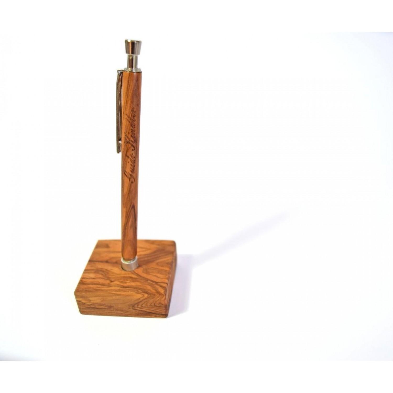 Stiftehalter mit Kugelschreiber aus Olivenholz, Gravur möglich | D.O.M.