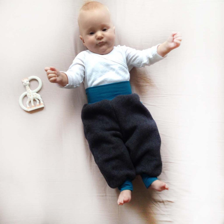 Baby Bio-Fleece Gemütlichkeitshose anthrazit | bingabonga