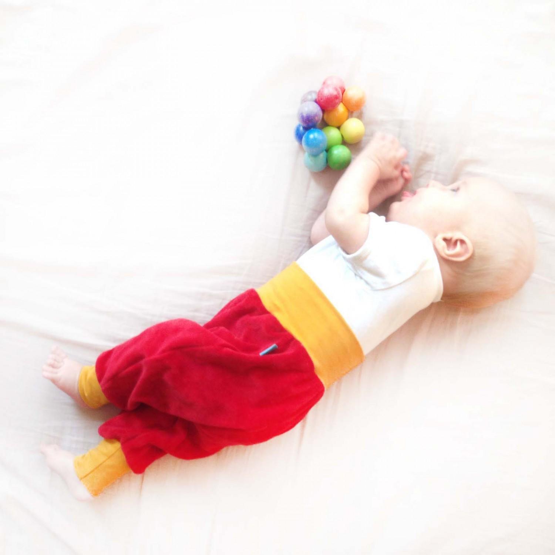 Baby Bio-Nicki Gemütlichkeitshose Rot/Gelb | bingabonga