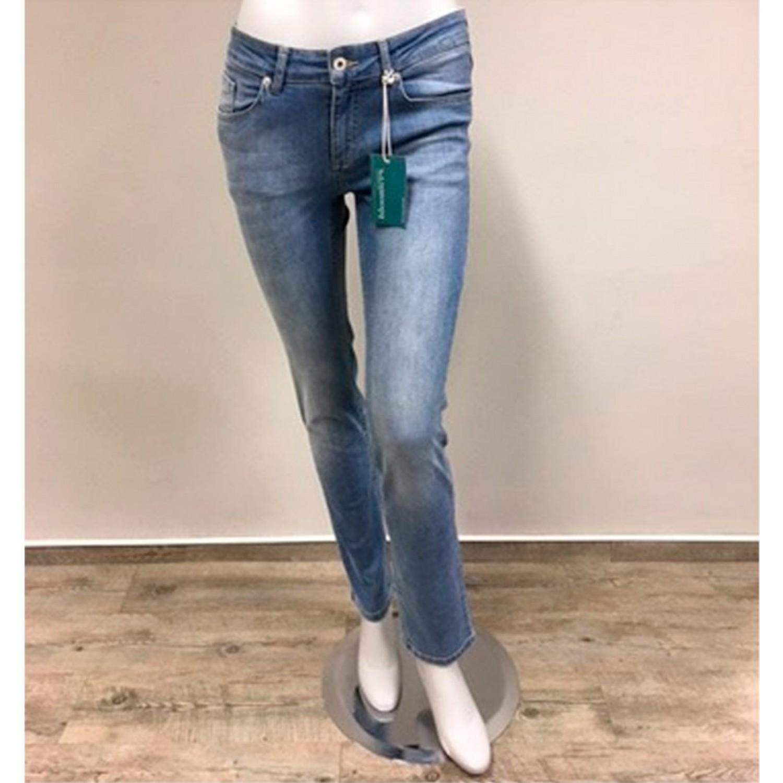 881fa9fa17705 bloomers Damen Bio Jeans Hellblau – Gerade Jeanshose mit Dehnbund