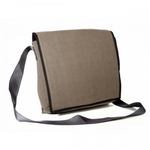 Upcycling Messenger Bag aus Fallschirmtasche