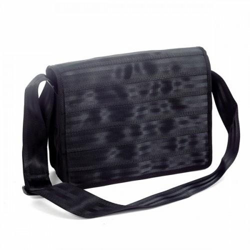 Upcycling Messenger Bag Grau aus Sicherheitsgurt
