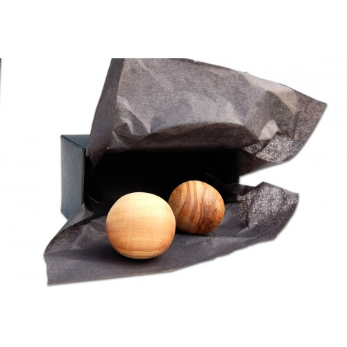 Anti-Stress-Kugeln aus Olivenholz in einer Box | Olivenholz erleben