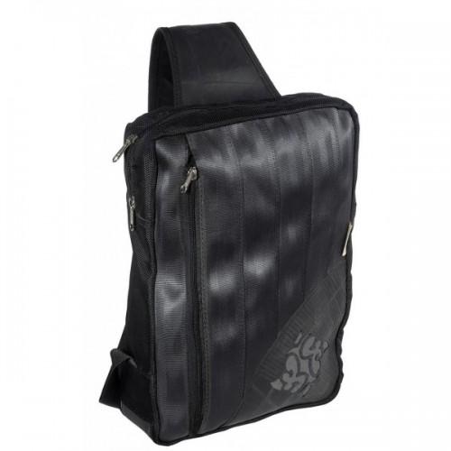 Schwarzer Rucksack aus Fahrradschlauch & Sicherheitsgurt