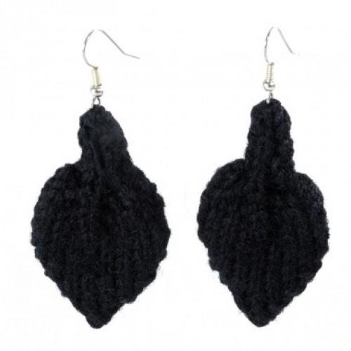 Öko Ohrringe aus recycelter schwarzer Wolle