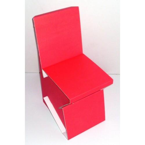 Mamas Stuhl aus recycelbarer Pappe | Papp à la Papp