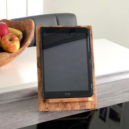 Tablet-Halter und Buchstütze aus Olivenholz | D.O.M.