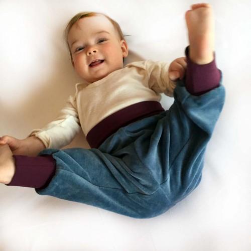 Baby Bio-Nicki Gemütlichkeitshose Hellblau/Aubergine | bingabonga