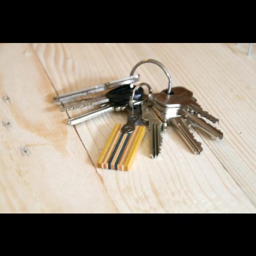Schlüsselanhänger aus Fahrradkette & Holz | Restwert Upcycling