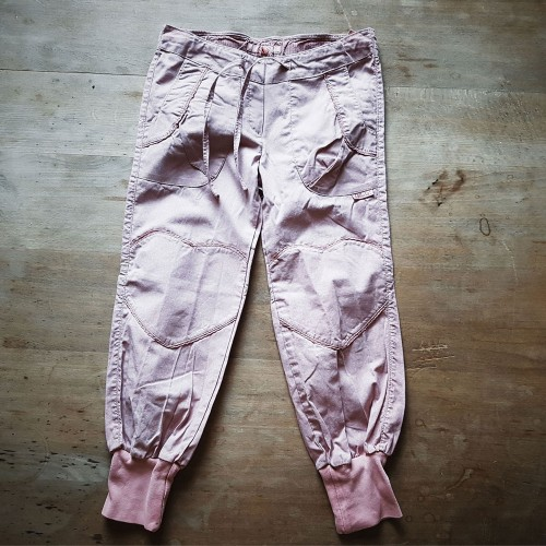 Mädchen Hose Krapp rosa pflanzengefärbte Bio-Baumwolle | Ulalü