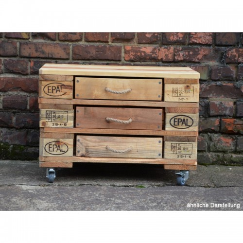 Upcycling Kommode mit 3 Schubladen aus Europaletten