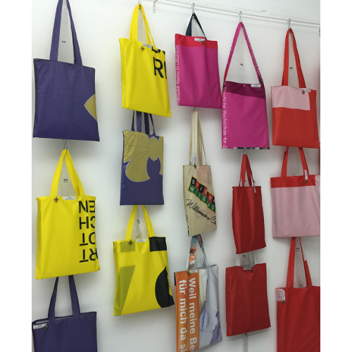 LILYBAG: Recycling Shopper aus Werbefahnen   reTHING