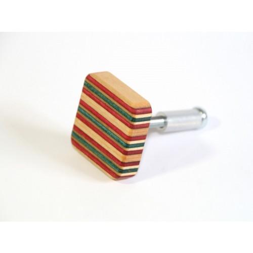 Möbelknopf aus Skateboard-Holz | Restwert Upcycling