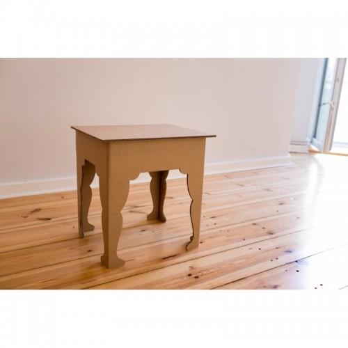 Nachttisch aus recycelter Wellpappe | room in a box