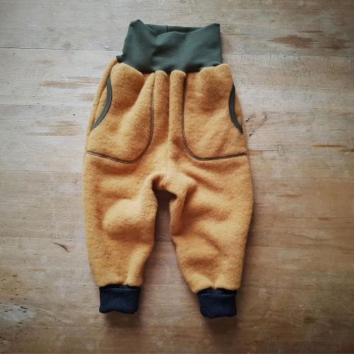 Kinder Bio Wollfleecehose Kurkuma mit Taschen | Ulalü