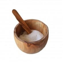 Klassisches Salzfass aus Olivenholz mit Spatel
