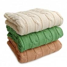 Babydecke mit Zopfmuster aus Bio-Baumwolle in verschiedenen Farben