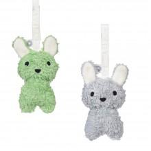 Louise, das Kaninchen – Hänge Rassel aus Bio-Baumwolle