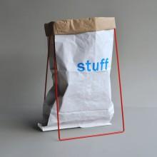 Papiersack Halter Rot mit Papiersack Aufdruck STUFF