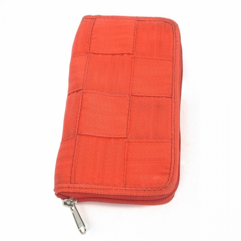 Pierrette | wallet in recycled seatbelt