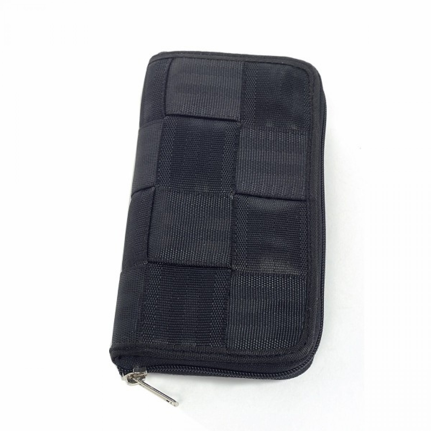 Bobby | wallet in recycled seatbelt
