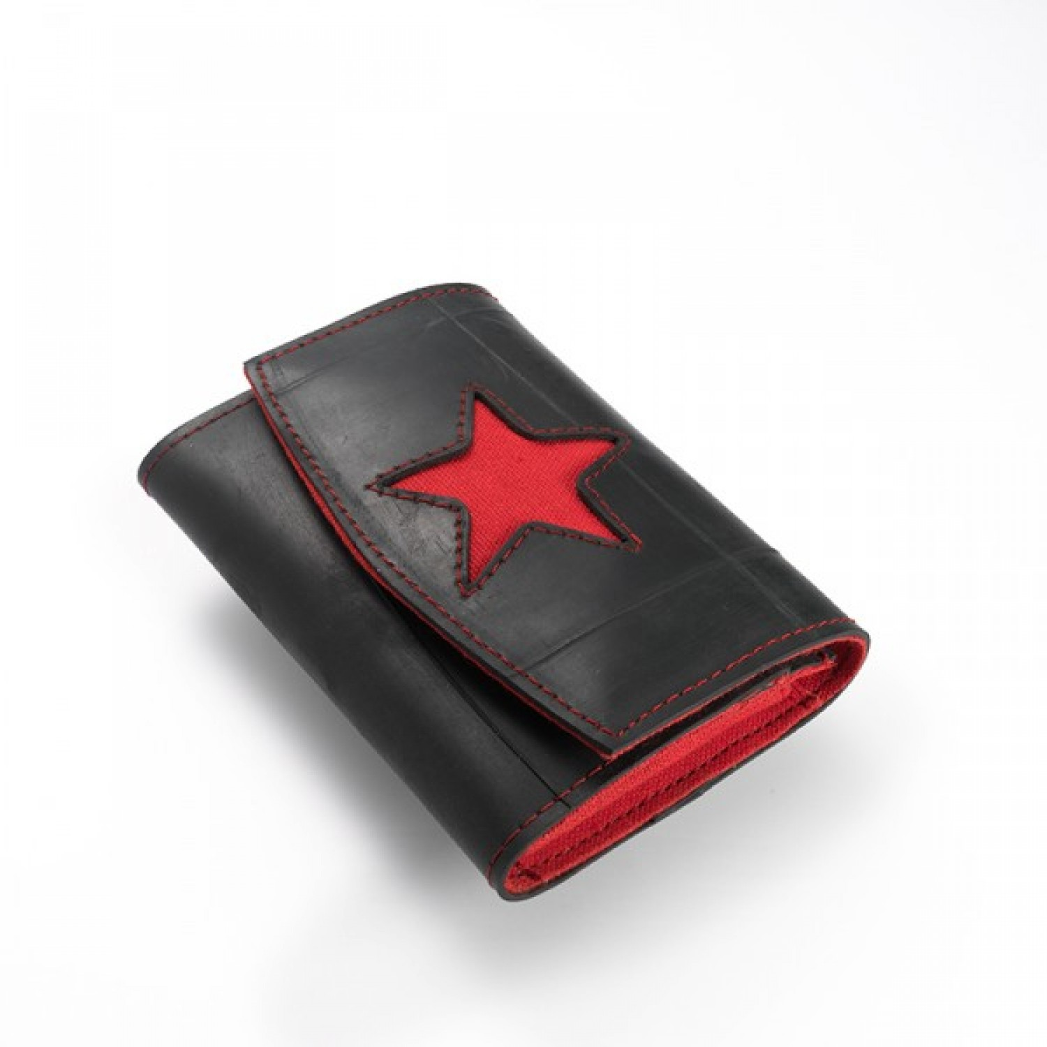 Nile | wallet in recycled inner tube with red star