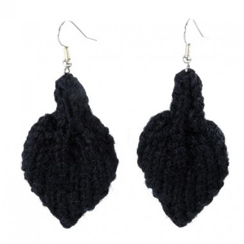 Leaf | Earrings made of black wool