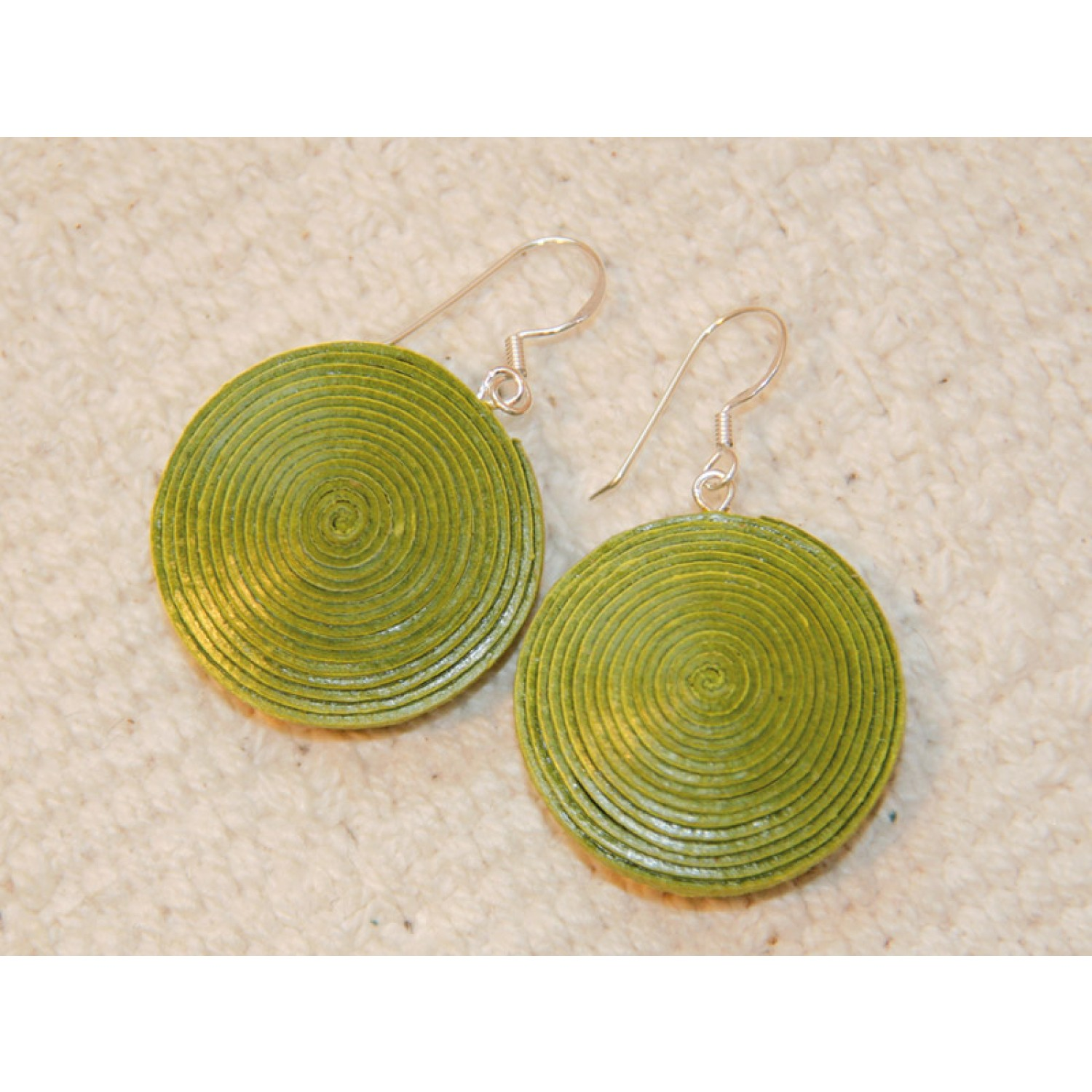 Disc Earrings made of eco paper - green