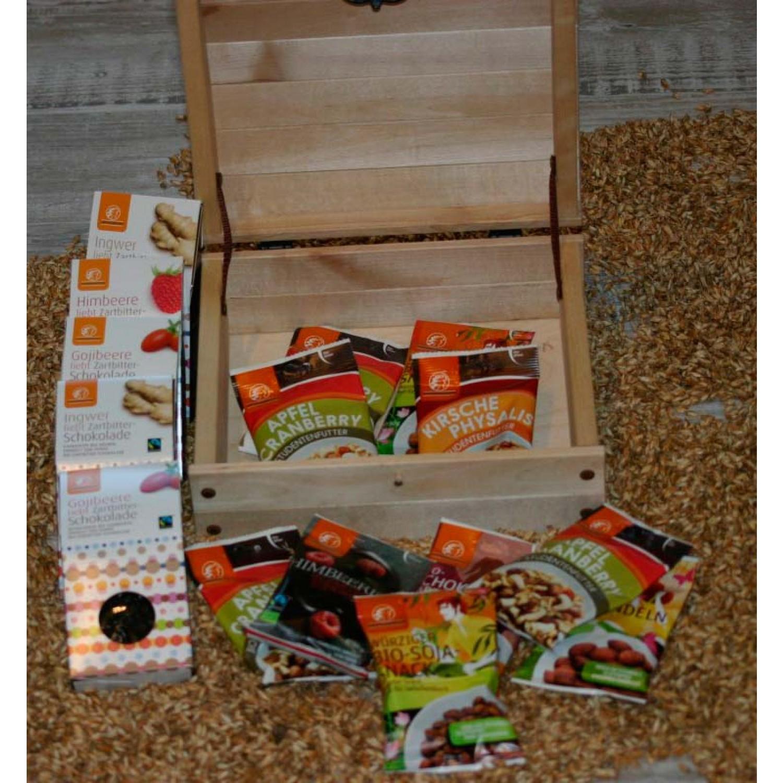 Vegane Süßigkeitenkiste aus FSC Holz
