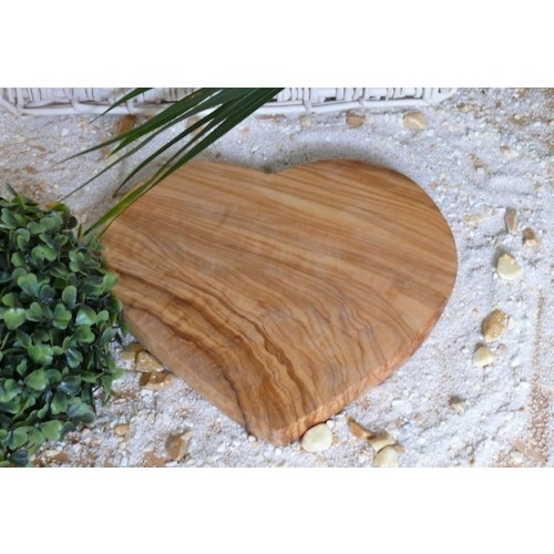 "Kids Cutting Board ""Heidi"" heart shape, olive wood 