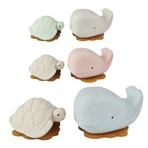 Hevea Squeeze'N'Splash upcycled Bath Toys Whale & Turtle
