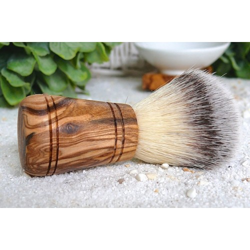 Vegan Shaving Brush, Synthetic Hair & Olive Wood Handle »Sir George« | D.O.M.