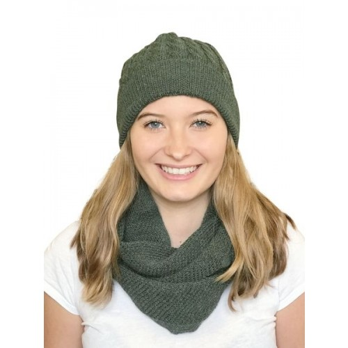 Alpaca Matching Set Loop Scarf & cable-knit Hat, green | Albwolle