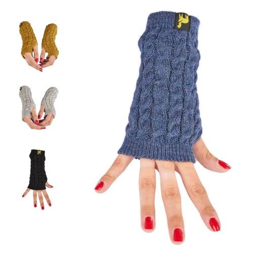 Alpaca Wrist Warmer Arosa for women, plain cable-knit | AlpacaOne