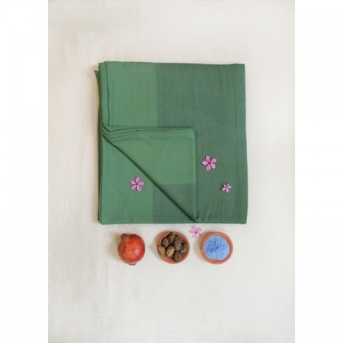 Silky Green Baby Sling Freja - Organic Cotton | Mama Nuka