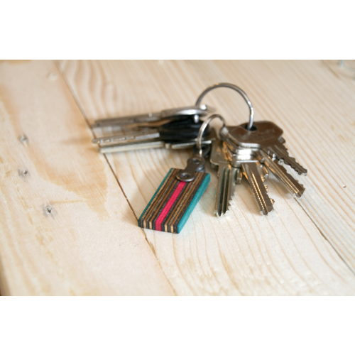 Colourful key chain made of skateboard deck | Restwert