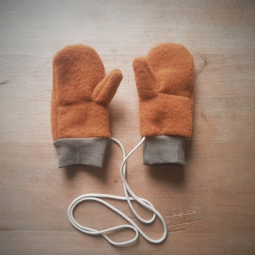 Mittens with thumb & rope, Organic Wool fleece Amber | Ulalue