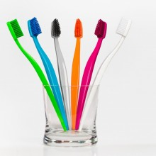 BioBrush – Eco & Vegan Toothbrush– BPA-free & recyclable – various colours